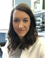 Postdoc trainee Anne Schaar